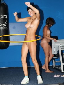 naked-hula-hoop-workout